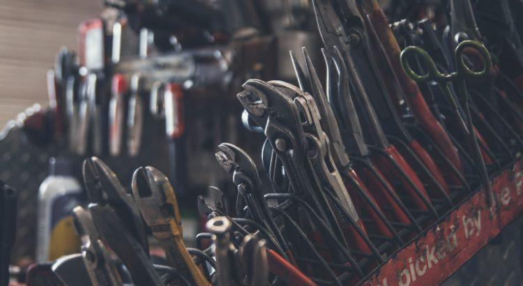Jakie części samochodowe warto kupić? - nowe vs używane!